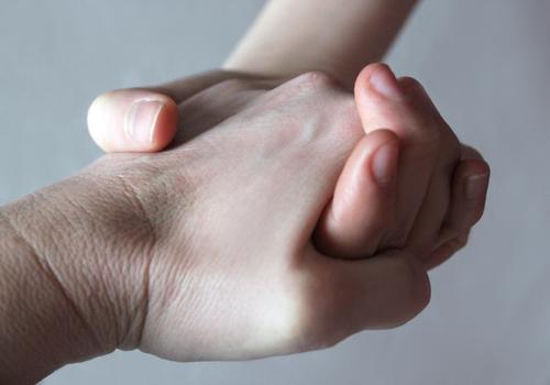 Vertrauen Mensch Kind Jugendliche Hand 18-30 Jahre Erwachsene Leben Gefühle Liebe Paar Freundschaft Zusammensein Familie & Verwandtschaft 13-18 Jahre Kindheit