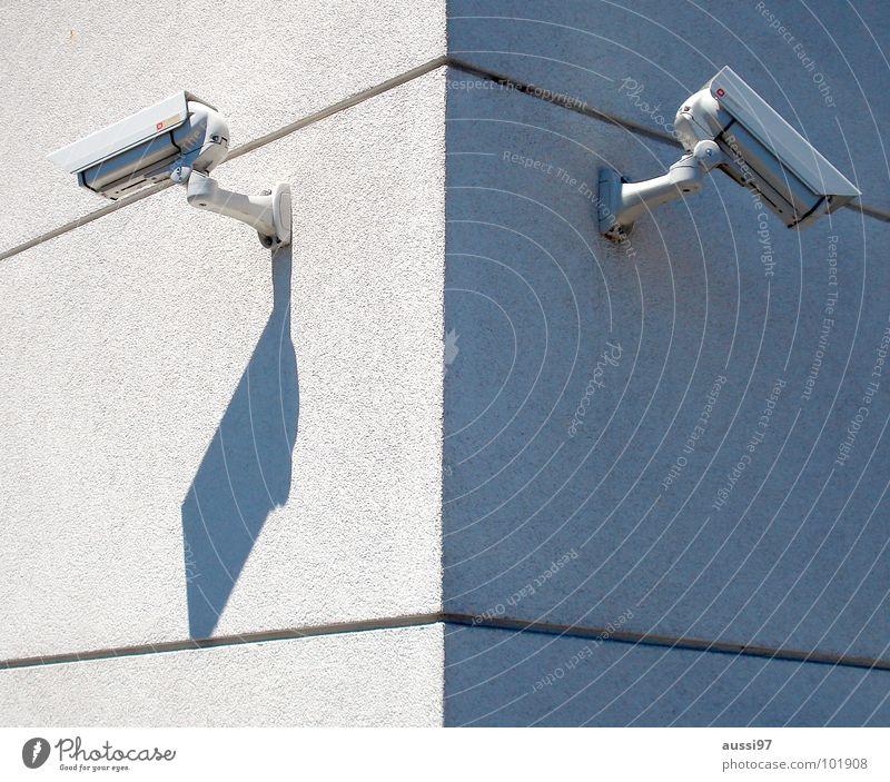 Präventionsstaat II Fenster Angst beobachten Fotokamera Amerika Panik Überwachung Aufzeichnen Fahndung überwachen 1984 präventiv Öffentlicher Dienst