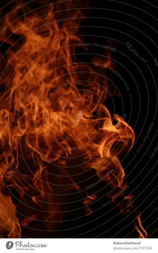 fire one rot dunkel schwarz Wärme Holz gefährlich Brand Feuer Wut heiß Physik brennen Flamme Grill Ärger Feuerstelle