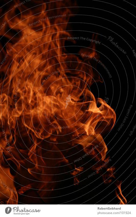fire one rot heiß brennen Physik dunkel Glut schwarz Flackern Licht Grill Hölle Teufel Holz Grillkohle Brennholz Holzkohle Wut Ärger Feuer Brand gefährlich