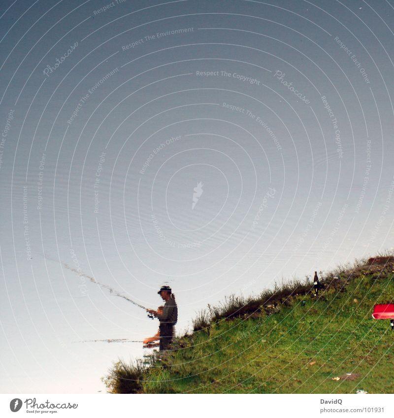 Am Rand der Welt See Gewässer Teich Angelrute Angler Fischer Angeln Freizeit & Hobby Erholung Zufriedenheit Langeweile Wunsch Wiese Gras grün