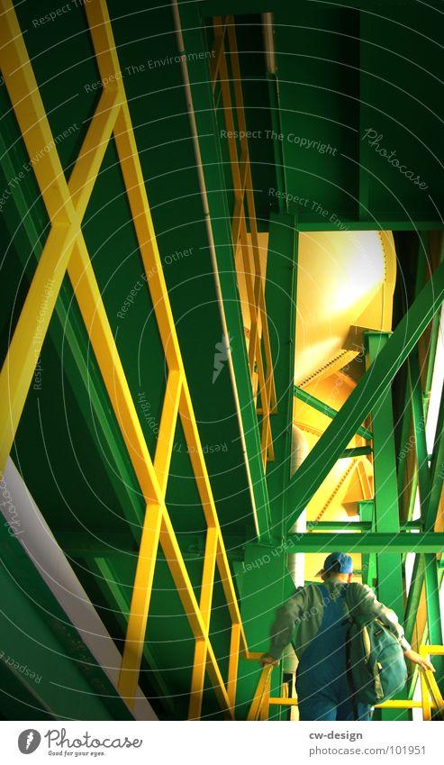 * Der durChgepe!tschte III auf Arbeit* Mann blau grün gelb oben Wärme Arbeit & Erwerbstätigkeit Glas Treppe groß Industrie Macht festhalten Physik heiß vorwärts