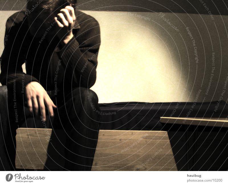 zum Nachdenken 2 Mensch Mann Traurigkeit Denken sitzen Trauer Bett