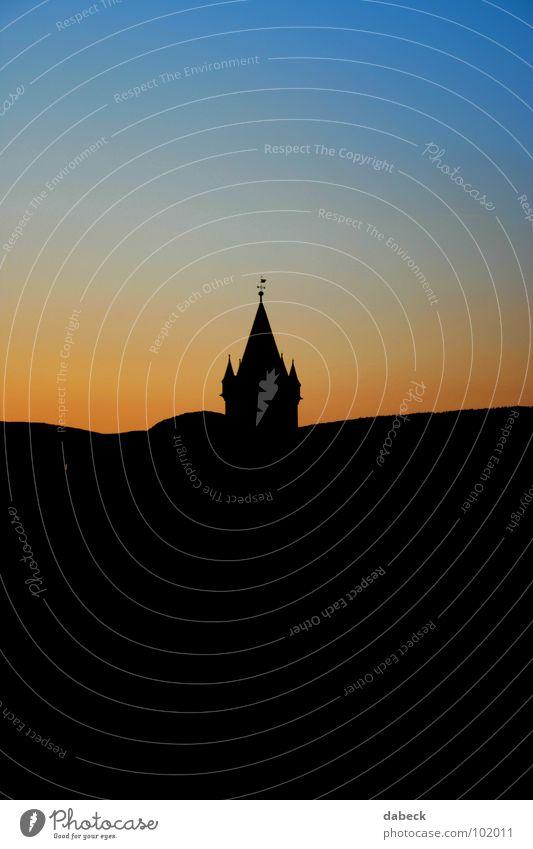 Silhouette Sonnenuntergang Farbverlauf Farbenspiel rot schwarz Gotteshäuser Religion & Glaube blau orange