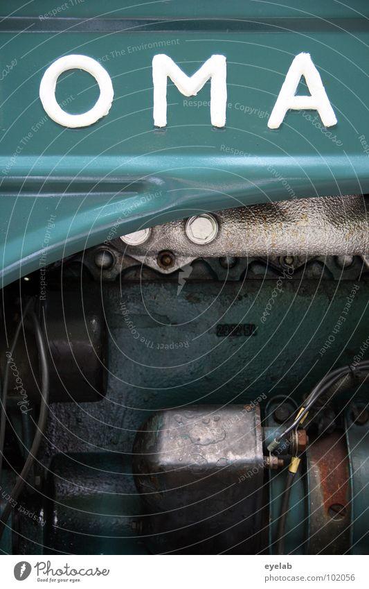 OMA Typographie Logo Design Traktor retro Fünfziger Jahre Sechziger Jahre türkis grün Landwirtschaft Fahrzeug Maschine Motor Landei Ackerbau Getriebe Gitter