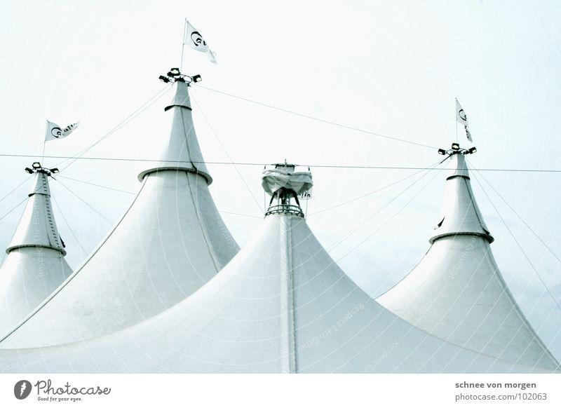 spektrum des lichts Himmel weiß schön Graffiti hell Kunst Wind rund Fahne Kurve Zelt Zirkus Kunsthandwerk