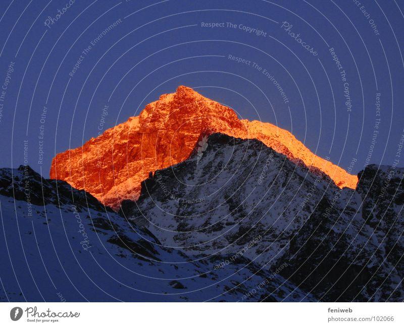 Bergglühen weiß kalt Schnee Berge u. Gebirge Wärme Eis hoch Schweiz Physik niedlich Abenddämmerung