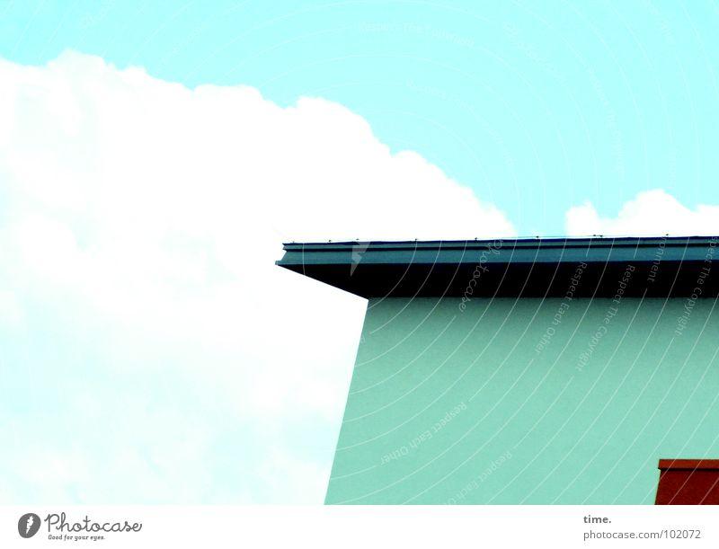 Würden Sie Ihr Geld in dieses Haus tragen? Himmel blau Wolken Wand Dach Handwerk türkis Langeweile diagonal