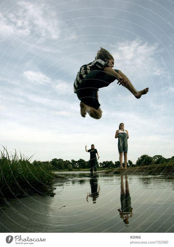 over the edge Himmel Natur Wasser Sommer Freude Wolken oben klein springen hoch groß aufwärts Dynamik Sportler Applaus Richtung