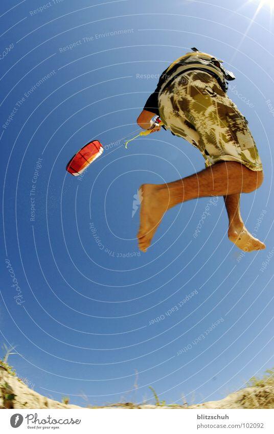 dünenkiten Himmel Sonne Meer blau Freude Strand Ferien & Urlaub & Reisen Sport Leben springen Sand Kraft Küste Wind Aktion Frieden