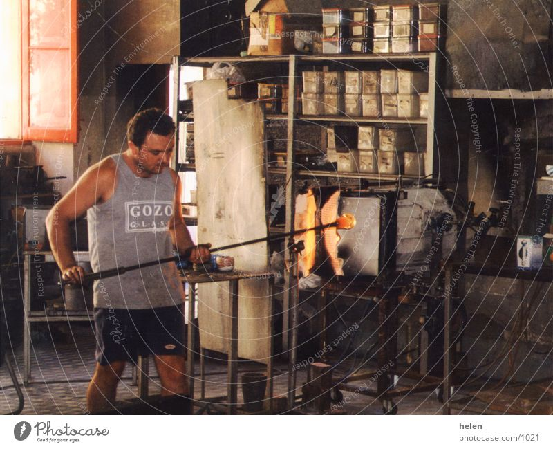 glasblaeser Handwerk Gozo Kunst Kunsthandwerk Tradition Industrie blasblŠser