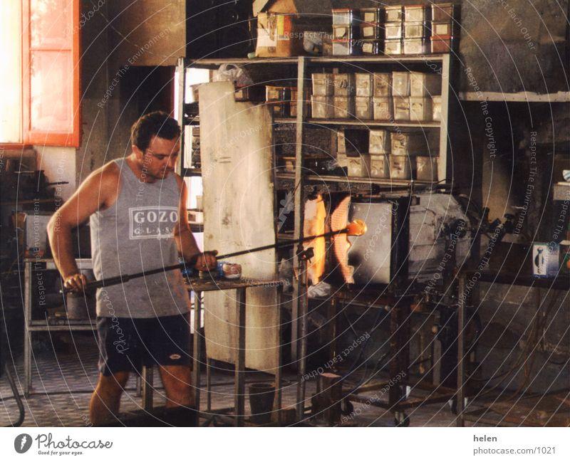 glasblaeser Kunst Industrie Handwerk Tradition Malta Kunsthandwerk Gozo