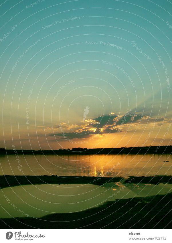 beachfeelings Wasser schön Sonne Meer grün blau rot Sommer Strand schwarz Einsamkeit Erholung träumen See Sand Stimmung
