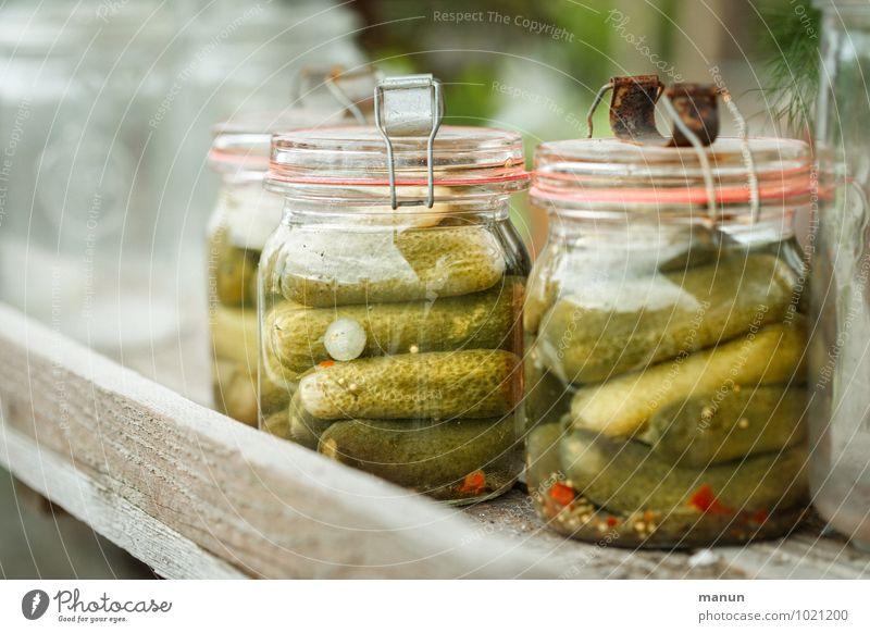 Sauregurkenzeit Lebensmittel Gemüse Kräuter & Gewürze Gurke Gewürzgurke Essig Ernährung Frühstück Abendessen Bioprodukte Vorrat Einmachglas konserviert Vesper