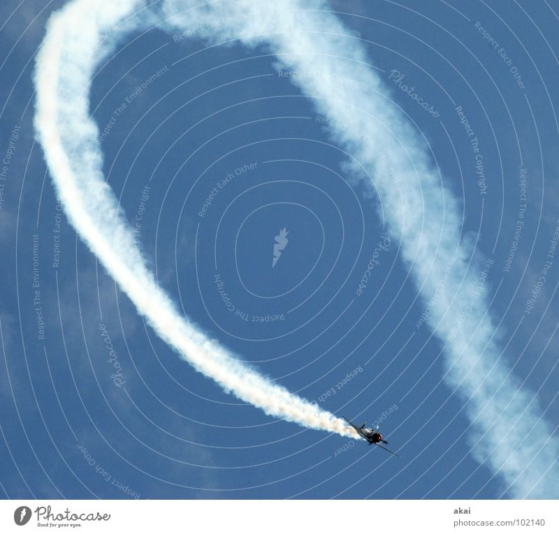 100!-Loop of joy Himmel blau Freude Wolken Flugzeug Aktion Luftverkehr Flügel Veranstaltung Rauch Sportveranstaltung Klang Jubiläum krumm Armee