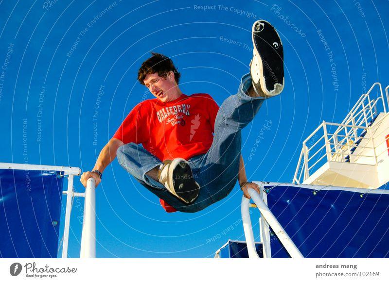 Style has a name Mann blau rot Freude Ferien & Urlaub & Reisen springen Stil Bewegung Wasserfahrzeug fliegen Treppe Aktion fahren Freizeit & Hobby genießen