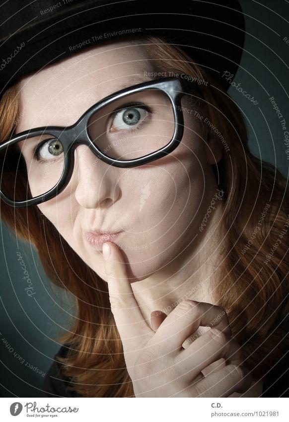 . Mensch Jugendliche blau Junge Frau 18-30 Jahre schwarz Erwachsene Denken orange verrückt Kreativität Brille einzigartig Neugier Hut langhaarig