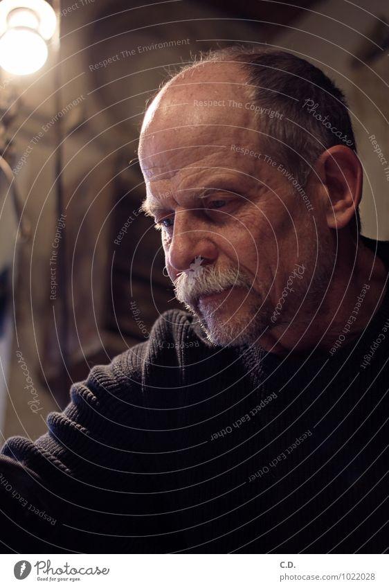Achim Mann Erwachsene Männlicher Senior 45-60 Jahre Pullover grauhaarig Kraft Willensstärke Leidenschaft geduldig ruhig Selbstbeherrschung Konzentration