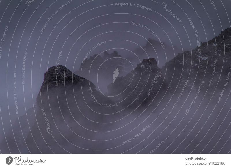 Nebelgebirge Ferien & Urlaub & Reisen Tourismus Ausflug Abenteuer Ferne Freiheit Berge u. Gebirge Umwelt Natur Landschaft Pflanze Tier Urelemente Sommer