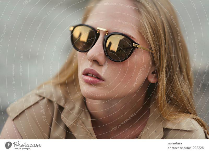 Frau Jugendliche schön Junge Frau Erotik Gesicht Erwachsene feminin Stil Haare & Frisuren Mode Design Glas gold blond Spitze