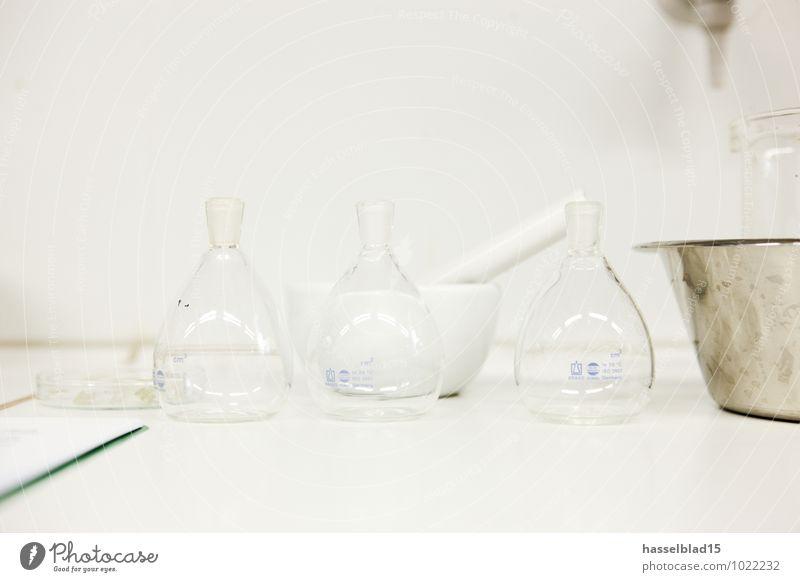 bottled Rauschmittel Medikament Sauberkeit Chemie Labor Chemieindustrie Probe Mörser Glas Glaskolben Schulunterricht 3 Dinge Studie untersuchen messen