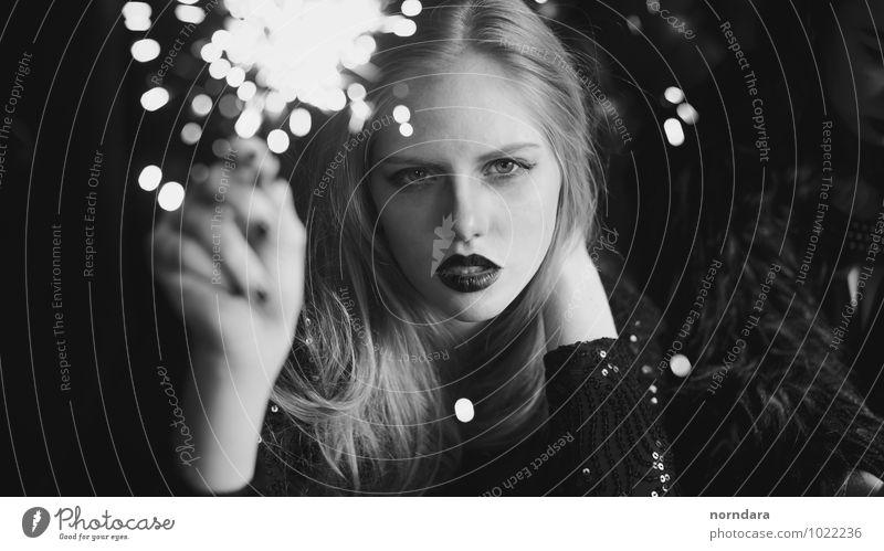 Jugendliche schön Junge Frau Gesicht Auge Stil Spielen Haare & Frisuren Party elegant Haut Mund Lippen Reichtum Kosmetik Schminke