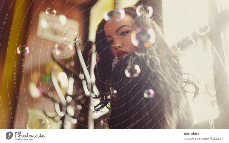 Blasen kaufen Reichtum Stil Design schön Haare & Frisuren Kosmetik Parfum Creme Schminke Lippenstift Wimperntusche feminin Junge Frau Jugendliche Haut