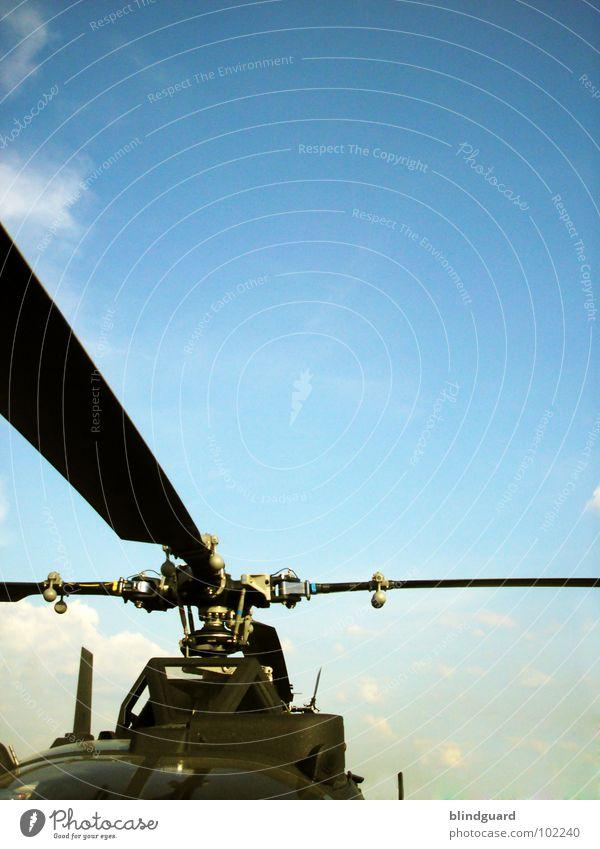 Rotationsprinzip Hoch Himmel blau Wolken Linie Flugzeug Luftverkehr Technik & Technologie Güterverkehr & Logistik Teilung Krieg kämpfen Stadtteil Fensterscheibe