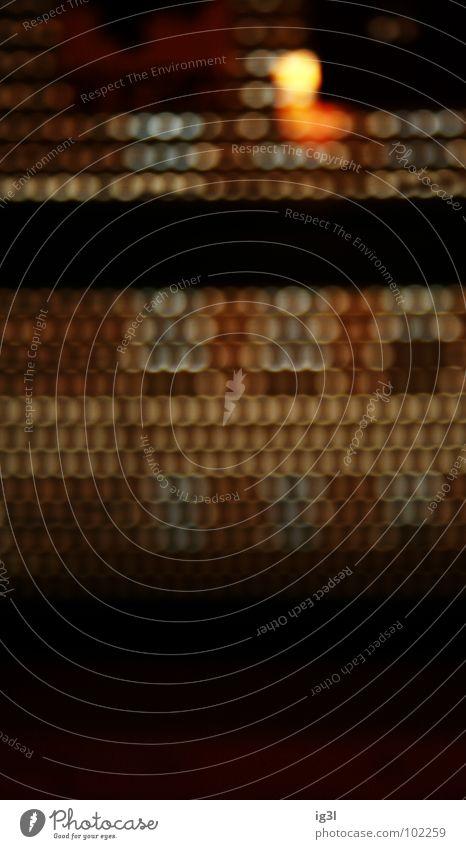 almost blind Erholung dunkel Fenster schwarz Beleuchtung Kreis Brille rund erleuchten Konzentration Teilung Reihe Rauschmittel Langeweile Alkoholisiert Durchblick