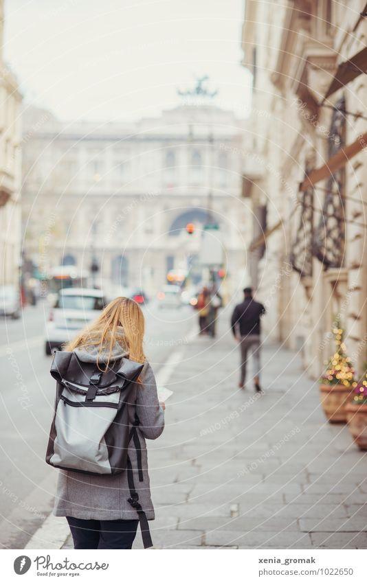 in Rom Mensch Ferien & Urlaub & Reisen Stadt Freude Ferne Leben feminin Gebäude Freiheit Lifestyle Freizeit & Hobby Tourismus Ausflug Abenteuer Italien Romantik