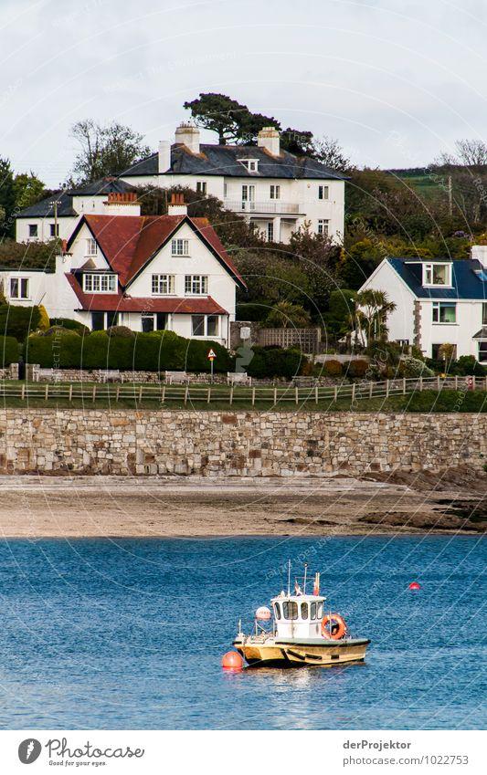 Mein Haus, mein Strand, mein Boot Ferien & Urlaub & Reisen Ferne Umwelt Gefühle Küste Wellen Tourismus Verkehr Ausflug Abenteuer Seeufer Bucht Hafen Flussufer