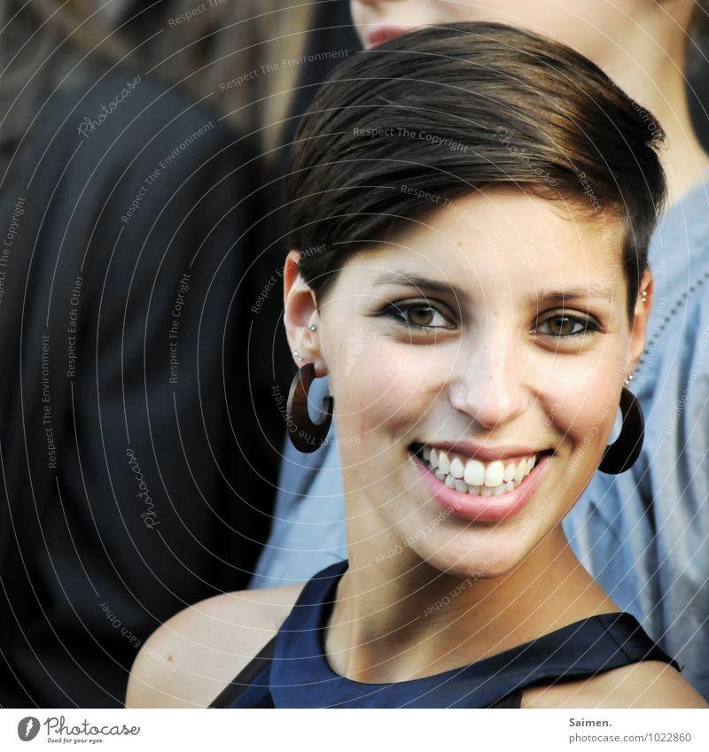 ansteckend Mensch Jugendliche schön Junge Frau 18-30 Jahre Erwachsene Gesicht Auge Gefühle feminin natürlich Haare & Frisuren Kopf glänzend leuchten authentisch