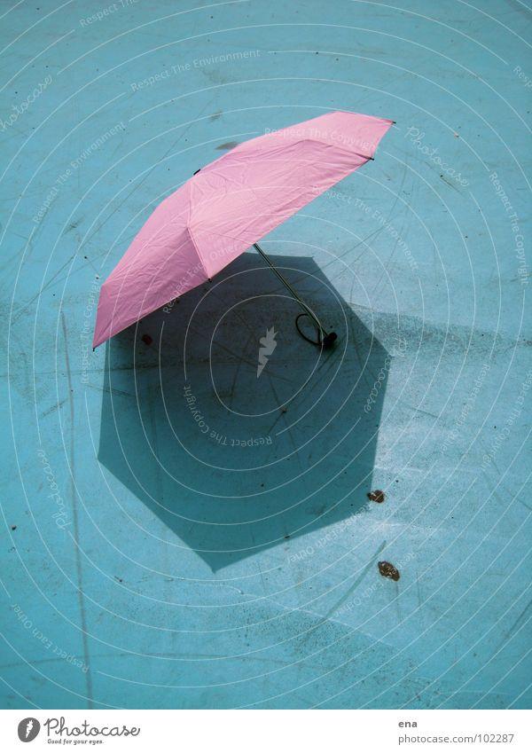 sonnenschirmchen I Sonnenschirm Regenschirm nass trocken Schattenspiel 7 rosa Thusnelda Spielplatz Sommer blau Schutz Natur 7-eck fluffi