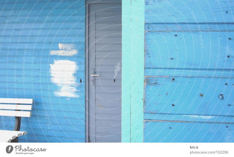 BLAU, BLAU, BLAU ist alles was ich habe Blauton Textfreiraum Bretter skandinavisch Seuche ruhig Hütte corona Tür Eingang daheim Strandhaus Gartenhaus gemütlich