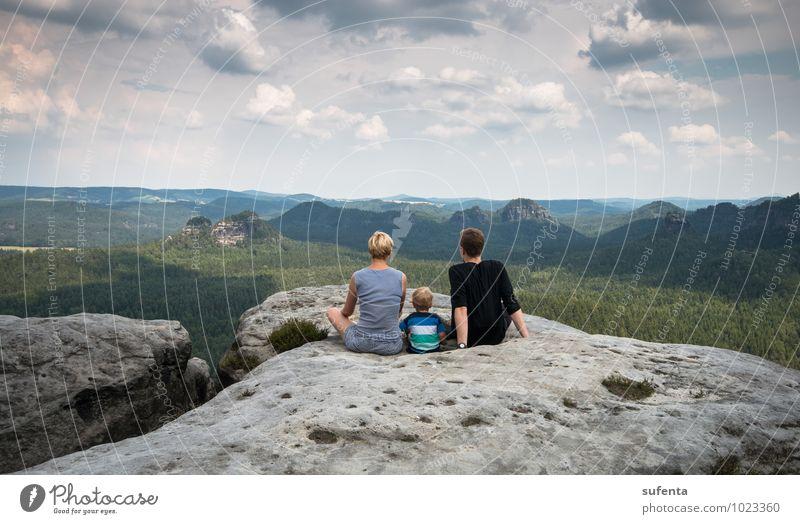 Grenzenlos Mensch Kind Ferien & Urlaub & Reisen Sommer Landschaft ruhig Wolken Wald Berge u. Gebirge Leben natürlich Glück Gesundheit Freiheit Familie & Verwandtschaft träumen