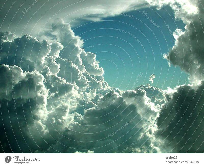 Eingang Natur Himmel grün blau Sommer Freude Wolken Gefühle Stil Wetter Loch Laune