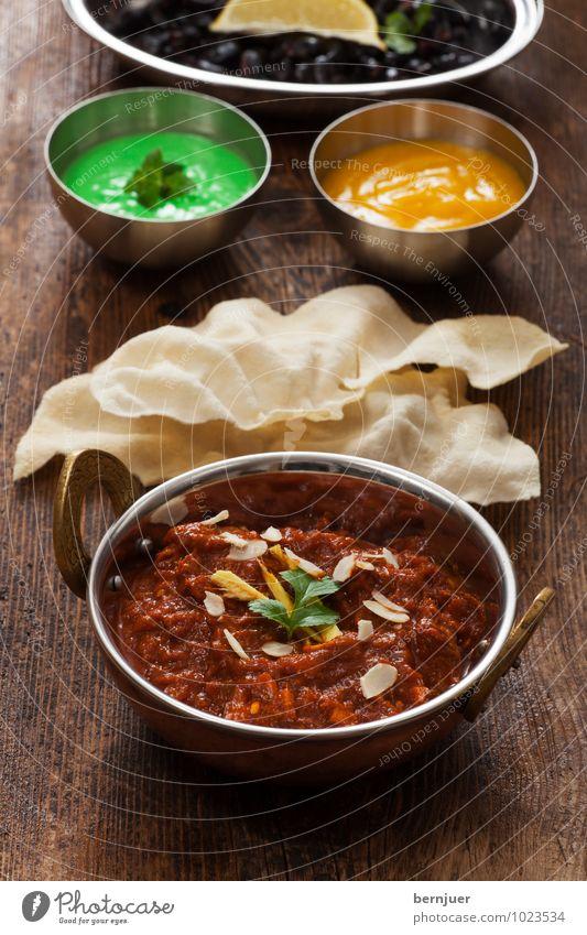 Curry grün gelb Holz Lebensmittel braun Ernährung gut heiß Holzbrett Schalen & Schüsseln Brot Backwaren Fleisch Indien Teigwaren rustikal