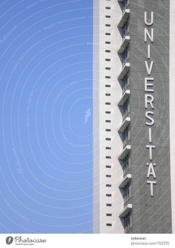 Universität Haus Bildung Wissenschaften Erwachsenenbildung lernen Berufsausbildung Studium Urkunde Karriere Erfolg Hochhaus Gebäude Fassade Schriftzeichen