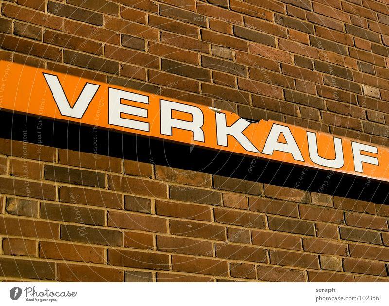 verkauf(t) Wand Mauer Stadtleben Schilder & Markierungen Schriftzeichen Hinweisschild Zeichen Buchstaben Symbole & Metaphern Information Backstein graphisch