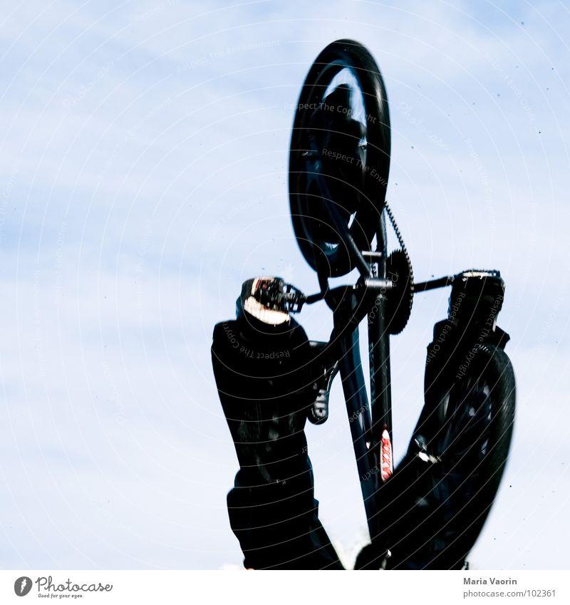 Mach´n Abflug! Himmel Ferne springen Freiheit Luft Fahrrad Angst Flugzeug fliegen frei Beginn hoch Freizeit & Hobby fallen Unendlichkeit Sturz