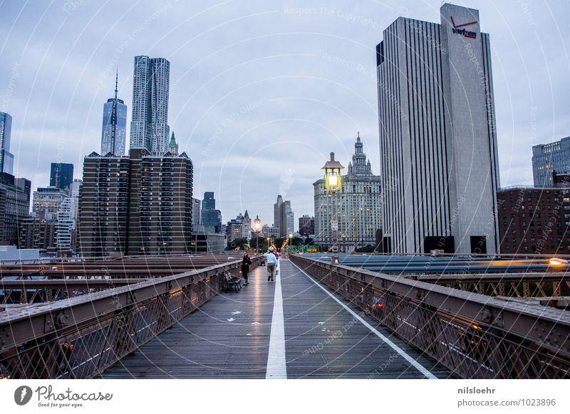good morning NY New York City Stadt Skyline Haus Hochhaus Brücke Wege & Pfade ästhetisch blau braun grau Erfolg Ferne Farbfoto Außenaufnahme Morgen