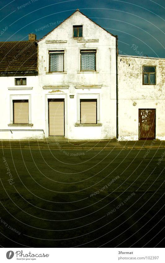 IloveHopper Haus Stadthaus Einfamilienhaus Villa verfallen Leerstand Sachsen Osten Europa Dorf stagnierend Scheintod Landleben Kleinstadt Einsamkeit Trauer