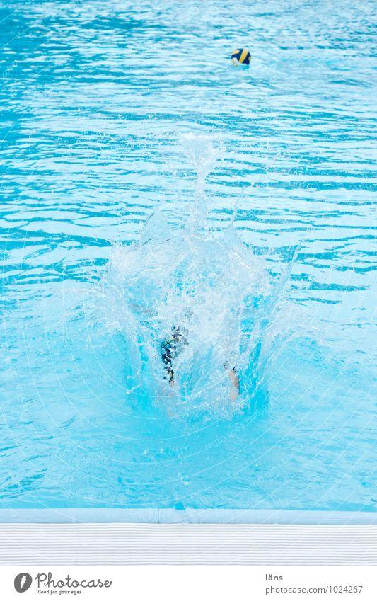 tschüss anne - komm frisch und munter an Mensch Ferien & Urlaub & Reisen blau Sommer Freude Leben Bewegung Sport Schwimmen & Baden Fuß springen Freizeit & Hobby