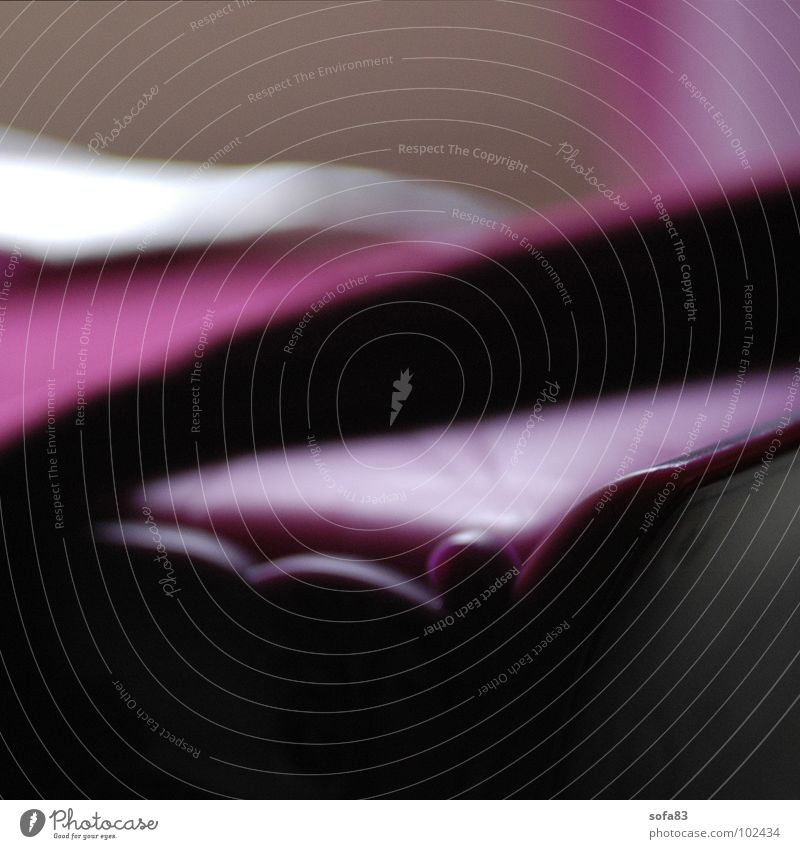 morgens ruhig Linie rosa Bett violett Möbel Decke Beeren Schlafzimmer Sonntag Bettdecke aufwachen Lichtstrahl zudecken Luftmatratze