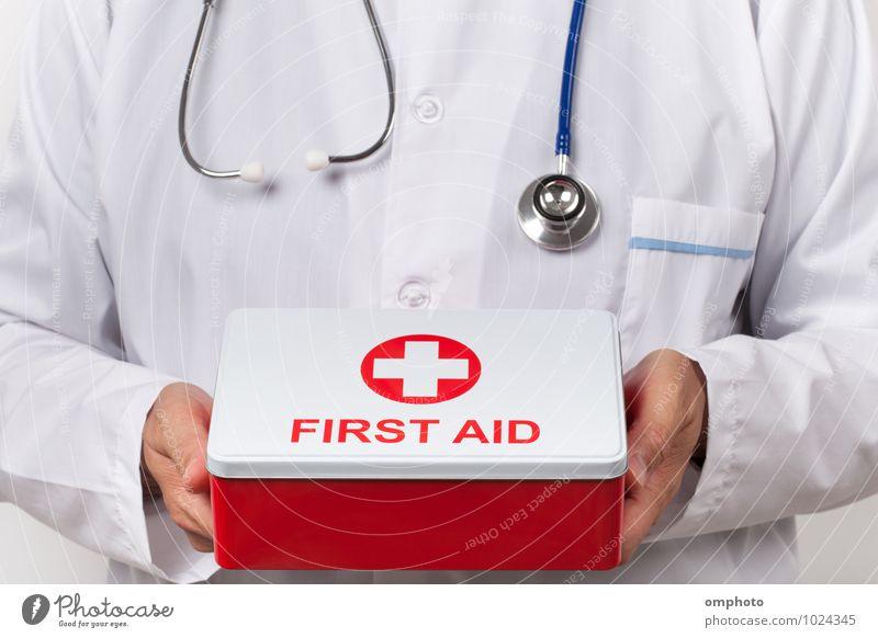 Mann weiß rot Erwachsene Gesundheitswesen fallen Arzt Werkzeug Mantel Notfall Stethoskop Notfallkoffer