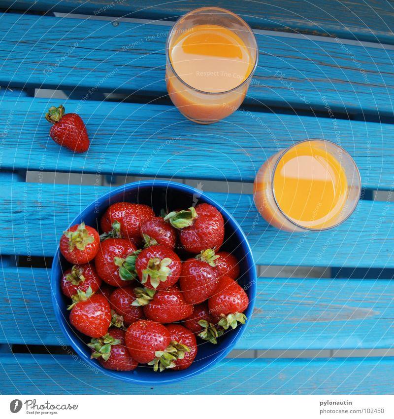 Erdbeerfrühstück Saft Saftglas türkis rot Holz grün Gesundheit Frucht Erdbeeren Glas orange blau Schalen & Schüsseln tish multivitamin