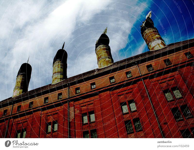 Die vier Jahreszeiten Berlin Industrie Fabrik Dach 4 Reihe Schornstein Lüftung Brauerei Abluft