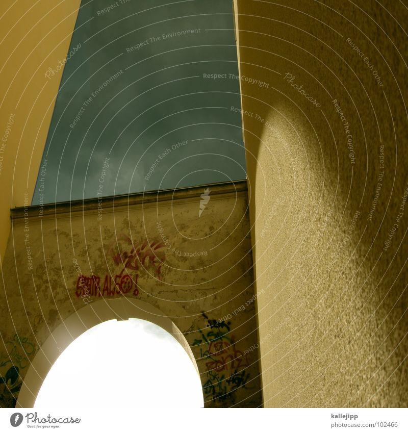 himmel oder hölle? Himmel alt Sonne Haus Straße dunkel Tod Architektur Bauernhof Tor Eingang Geister u. Gespenster Gott Gasse Hölle Bogen