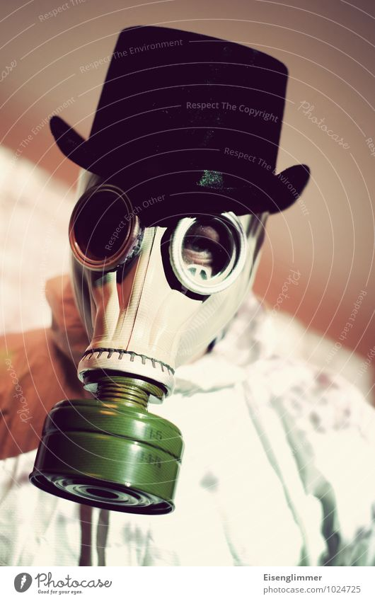 Maskenmann maskulin Erwachsene Kopf 1 Mensch 30-45 Jahre Arbeitsbekleidung Schutzbekleidung Mantel Hut Arbeit & Erwerbstätigkeit atmen bedrohlich dunkel
