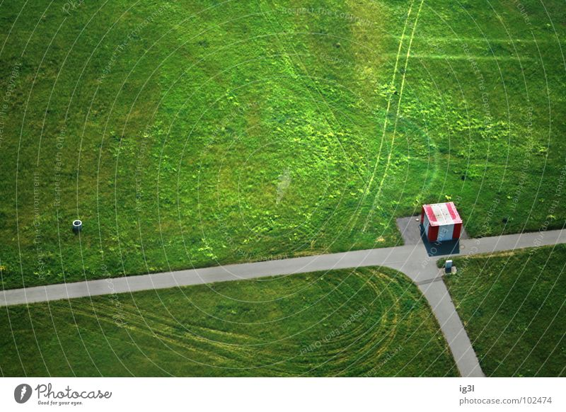 sibirischer grenzposten im hochsommer Ferien & Urlaub & Reisen grün Sommer Einsamkeit Haus Wiese Straße Schnee Wege & Pfade Linie Eis Arbeit & Erwerbstätigkeit